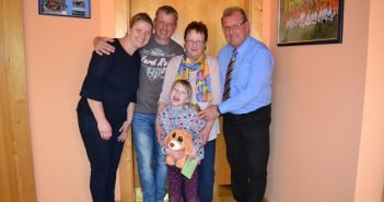 4 Personen mit der kleinen Marlene Till