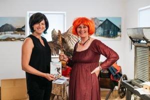 Valerie Böckel und Waltraud Schopf in der Märchenstunde